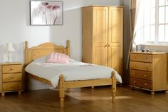 solid pine bedroom furniture sets - luxury bedrooms interior design Check more at http://thaddaeustimothy.com/solid-pine-bedroom-furniture-sets-luxury-bedrooms-interior-design/