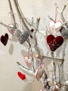 various Christmas felt hearts! #christmas #DYI #FeltHearts #handmade