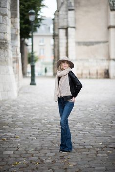 Leather jacket and felt hat outfit / Anna Sofia - Style Plaza