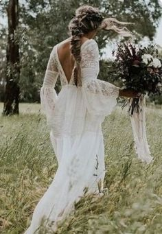 white boho dress with back out from boho & style. Check out more boho styles in . - white boho dress with back out from boho & style. Check out more boho styles in this gallery! Source by goldblumenkind - Bohemian Wedding Dresses, Tulle Wedding, Boho Bride, Viking Wedding Dress, Boho Gown, Crochet Wedding Dresses, Bohemian Weddings, Lace Weddings, Gown Wedding