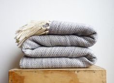 Pearl Grey Oversize throw blanket, Large Bed cover throw, Merino wool woven coverlet, Dorm Decor, Anniversary gift