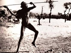 Man throwing spear Aboriginal Tattoo, Aboriginal Man, Aboriginal Culture, Aboriginal People, Throwing Spear, Australian Aboriginal History, Stone Age People, Australian Aboriginals, Tribal Face