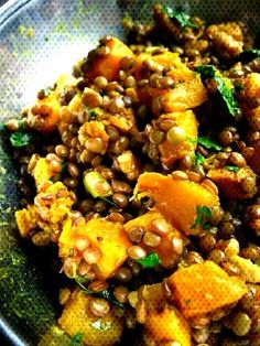 #lentilles #butternut #grenoble #lentils #curried #courge #squash #curry #noix #with #aux #and #au #la #et Lentilles au curry, à la ... How To Cook Squash, Kung Pao Chicken, Grenoble, Lentils, Pork, Cooking, Ethnic Recipes, Sweet, Gourd
