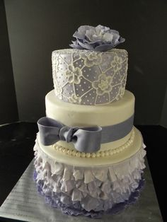 Lavender Vintage Wedding Cake By-The mad Platters. Love this but in my colors (lavender, pistacchio, tan) Girly Cakes, Purple Cakes, Fancy Cakes, Unique Cakes, Elegant Cakes, Creative Cakes, Amazing Wedding Cakes, Amazing Cakes, Cake Wedding