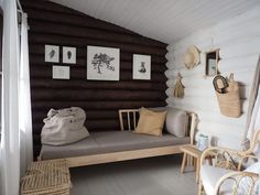 Modern Log Cabins, Small Log Cabin, Cabin Interior Design, House Design, Scandinavian Cabin, Guest Cabin, Cozy Nook, Modern Loft, Cabin Interiors