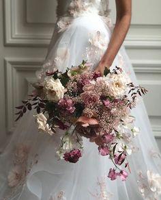 Planning A Fantastic Flower Wedding Bouquet – Bridezilla Flowers Wedding Bride, Floral Wedding, Dream Wedding, Fleur Design, Wedding Officiant, Bride Bouquets, Bridal Flowers, Gypsophila, Flower Designs
