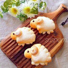 Japanese Bread, Japanese Sweets, Bento Recipes, Easter Recipes, Cute Food, Good Food, Desserts Japonais, Kreative Snacks, Kawaii Dessert