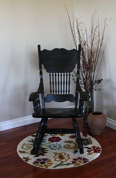 I have a sturdy, old rocking chair that I need to revamp. Perhaps this process will work Furniture Repair, Diy Furniture, Repurposed Furniture, Painted Furniture, Rocking Chair Makeover, Chair Redo, Build Your Own Sofa, Outdoor Rocking Chairs, Swing Chairs