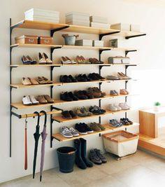 靴箱 French Interior Design, Apartment Interior Design, Interior Design Living Room, Duplex Apartment, Shoe Room, Hall Design, Store Fixtures, House Entrance, Hall House
