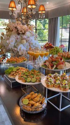 Party Buffet, Wedding Buffet Food, Brunch Buffet, Birthday Brunch, Brunch Party, Appetizers For Party, Appetizer Recipes, Brunch Mesa, Banquet