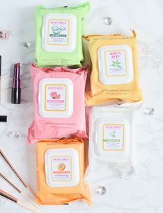 """Burt's Bees has amazing facial wipes for all skin types! I LOVE that they don't have a """"one size fits all"""" approach to convenient skincare! Younger Looking Skin, Younger Skin, Facial Cleansing, Burts Bees, Best Anti Aging, Beauty Care, Beauty Tips, Beauty Ideas, Beauty Hacks"""