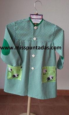 Mandilón verde Ovejitas. www.misspuntadas.com Valentino, Shirt Dress, Shirts, Dresses, Fashion, Lab Coats, Mariana, Kids Apron, Elbow Patches
