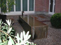 Brunnen im Garten: Stahltrog