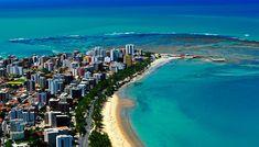 """Maceió é um dos destinos litorâneos mais procurados por turistas e é conhecido como o """"Caribe brasileiro"""". Inclua a capital de Alagoas em seu roteiro e saiba tudo sobre a cidade aqui!"""