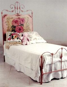 BED OF ROSES BED