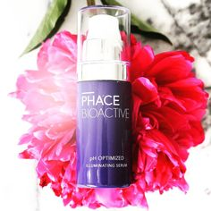 """Marisa Vara Arredondo on Instagram: """"Our *hero* product is PHACE BIOACTIVE's Illuminating Serum - designed to fade dark spots, stimulate collagen, and instantly brighten the skin. It's pH Optimized with 15% pure Vitamin C, plant stem cells, the powerful antioxidant Gallic Acid from grapes, and several pigment lightening botanicals, including EGCG from green tea. Available at Saks.com. #thephacelife #ph #phbalance #clearskin #healthyskin #glow #pure #selflove #mindfulness #skin #skincare"""