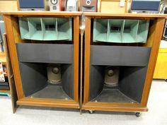 Altec Magnificent Open Baffle Speakers, Horn Speakers, Tower Speakers, Diy Speakers, Speaker Stands, Stereo Speakers, Audio Design, Speaker Design, Diy Speaker Kits