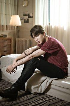 Find images and videos about kpop, bts and jungkook on We Heart It - the app to get lost in what you love. Park Ji Min, Kim Namjoon, Jung Hoseok, Seokjin, Bts Jimin, Bts Bangtan Boy, Billboard Music Awards, Foto Bts, Jikook