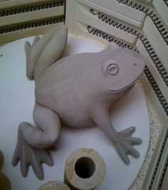 Big clay frog The topics around Your Prerequisite of Statue come forth aimlessly, placed off Ceramic Bisque, Ceramic Clay, Ceramic Painting, Ceramic Pottery, Pottery Animals, Ceramic Animals, Clay Animals, Ceramics Projects, Polymer Clay Projects