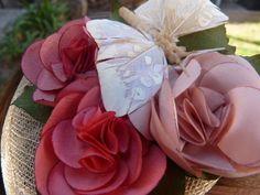 Vincha de sinamay flores y mariposas, María  Alvarez Zoppi, Accesorios textiles Artesanales