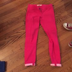 Pink jeggings Size 7 waist 28 inseam 29 Hollister Jeans