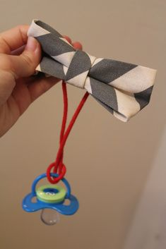 Fun with the Fullwoods: DIY (no sew) Bow Tie Pacifier Clip... If the next one is boy I'm making these!!