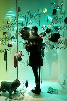 Harrods windows displays 2012 spring visual merchandising Fashion Window Display, Window Display Design, Store Window Displays, Visual Merchandising Displays, Visual Display, Retail Windows, Store Windows, Fashion Mannequin, Black Mannequin