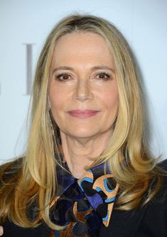 Peggy Lipton Former model Peggy Lipton knows that simple is better! The beauty keeps her hair unfussy with a long, straight cut and center part that is reminiscent of her former Mod Squad days.