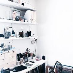 ONSDAG | Om tre timer får jeg svar på, om jeg er optaget på læreruddannelsen i Odense. Jeg bruger min aften sammen med søde veninder (nyder at de er hjemme i Vestjylland på ferie samtidig som jeg), som hjælper med at holde nervøsiteten nede. Odense, Bruges, Instagram Posts