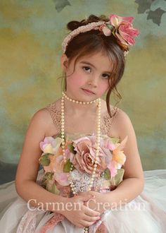 Vestido de niña victoriano flor Vintage flor por CarmenCreation, $130.00