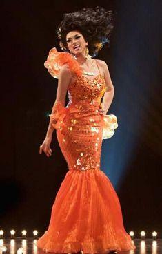 Manila Luzon, Goldfish look. She wore this at Kalamazoo Pride in Manila Luzon, Queen Latifah, Evening Dresses, Formal Dresses, Inline, Simply Beautiful, Beautiful Women, Frocks, Tumblr