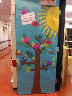 "Use cardinals and combine ""welcome.when you enter this little room. Decoration Creche, Decoration Entree, Class Decoration, Classroom Design, Classroom Themes, Classroom Door Signs, September Crafts, School Door Decorations, Teacher Doors"