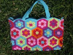 CREATIVE ATTITUDE: Petit sac en african flower's