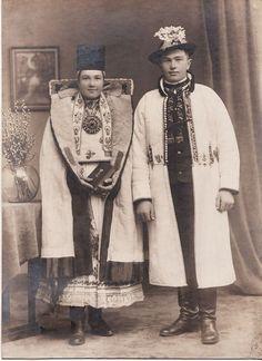 Folk Costume, Costumes, Folk Clothing, Vintage Clothing, Eastern Europe, Folk Art, Vintage Outfits, Culture, Traditional