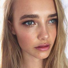 Luce arreglada sin aparentar tanto #maquillaje #makeup #Nude #Beauty #Style