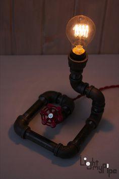 Lámpara de tubo Industrial por LightMyPipe en Etsy