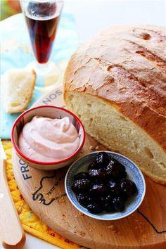 The Perfect Greek Snack - Olives, taramosalata, horiatiko psomi (village bread)… Dips, Greek Dishes, Tasty Bites, Dessert, Snacks, Mediterranean Recipes, Greek Recipes, Food Porn, Food And Drink