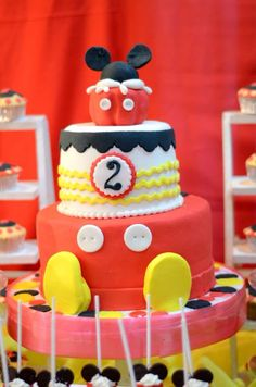 Mickeymouse magical cake 2nd Birthday, Minions, Mickey Mouse, Desserts, Food, Second Anniversary, Tailgate Desserts, Meal, Deserts