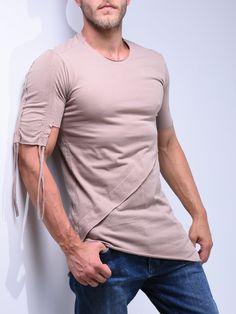 Layered T-Shirt String Details 4510 Best Men's Street Style, Street Style Summer, Men Street, Street Wear, Denim Joggers, Streetwear Fashion, Shirt Style, Mens Fashion, Street Fashion