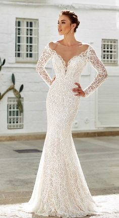 Looking for perfect wedding dress, check out these gorgeous bridal collection, fit and flare wedding gown,ball gown wedding dress,long sleeve wedding dress Wedding Dresses 2018, Designer Wedding Dresses, Bridal Dresses, Bridesmaid Dresses, Gorgeous Wedding Dress, Beautiful Dresses, Lace Wedding, Mermaid Wedding, Gown Wedding