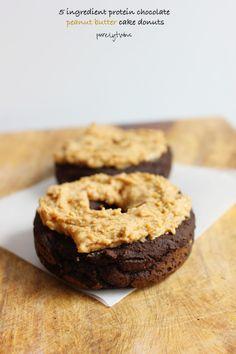 5 ingredient protein chocolate peanut butter donut that serves 2. Made with hemp protein.. #glutenfree #grainfree #vegan #lowsugar via @purelytwins
