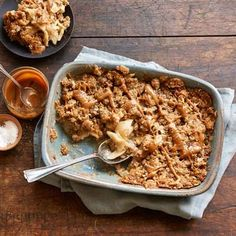 SALTED CARAMEL APPLE CRISP Panera Bread Restaurant Recipe 2 pounds (4 - 6 medium) Granny Smith apples, peeled and sliced 1/2 cup gran...