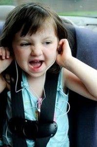 Cantar a todo pulmón en el carro