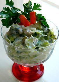 Dün Sevgili Aslıhan ablamın elinden yediğim harika bir salata. Yıllardır aradığım şey sanki buymuş gibi mutlu oldum inanı...