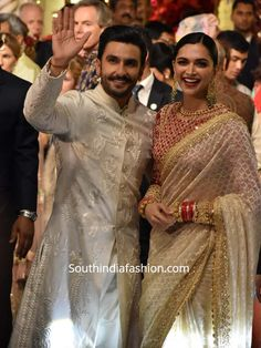 Deepika and Ranveer looked royal in coordinating off-white ensembles at Isha Ambani and Anand Piramal's wedding. Deepika white saree with red full sleeves blouse, deepika saree in isha ambani wedding Bollywood Party, Bollywood Wedding, Saree Wedding, Wedding Sherwani, Bridal Sarees, Bollywood Style, Wedding Suits, Bollywood Actress, Deepika Ranveer