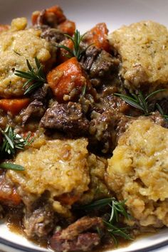 You'll be so impressed when you make our mouthwatering Slow Cooker Beef and Wine Stew with Cheesy Dumplings. Beef Casserole With Dumplings, Beef Dumplings, Dumpling Recipe, Cheese Dumplings Recipe, Slow Cooker Chili, Slow Cooker Recipes, Beef Recipes, Cooking Recipes, Beef Meals