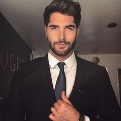 """""""@uglylovemovie ✈️✈️✈️ We may have found our Tate """" Photo taken by @nick__bateman on Instagram, pinned via the InstaPin iOS App! http://www.instapinapp.com (11/02/2015)"""