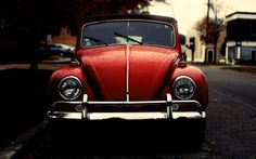 Find images and videos about love, beautiful and red on We Heart It - the app to get lost in what you love. Vw Super Beetle, Beetle Bug, Volkswagen Beetle Vintage, Car Volkswagen, My Dream Car, Dream Cars, Vw Cabrio, My Photo Album, Four Wheelers