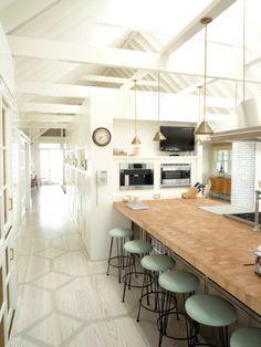 Knight Moves: Sagaponack Beach House by Sardar Design Studio