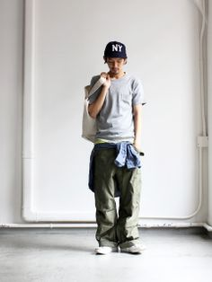 ordinary fits US ARMY M-65 CARGO 商品詳細 Strato Japan Fashion, Boy Fashion, Mens Fashion, Smart Casual Menswear, Men Casual, Loose Pants Outfit, Japanese Streetwear, Engineered Garments, Outfit Grid